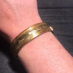 Vintage goldtone etched hinged bracelet
